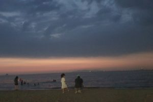 夜の海で海の幸を。